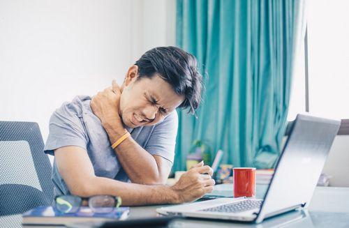 Sakit Kepala di Belakang Kepala - Apa Penyebabnya? otot, bahkan ketegangan